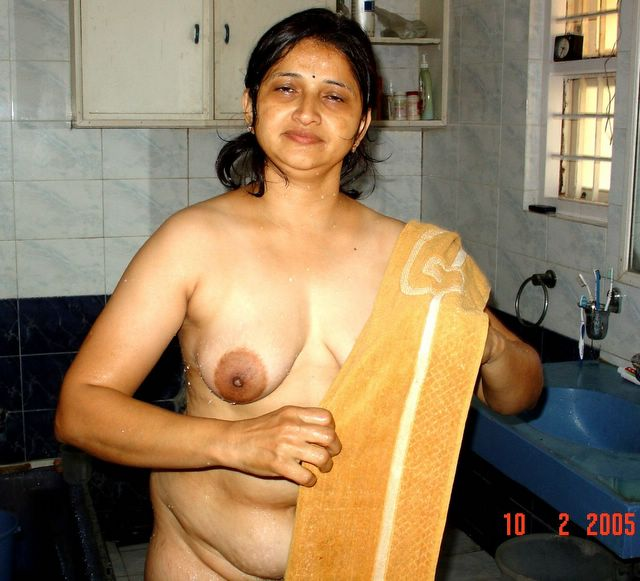 Real indian aunties naked images — img 7