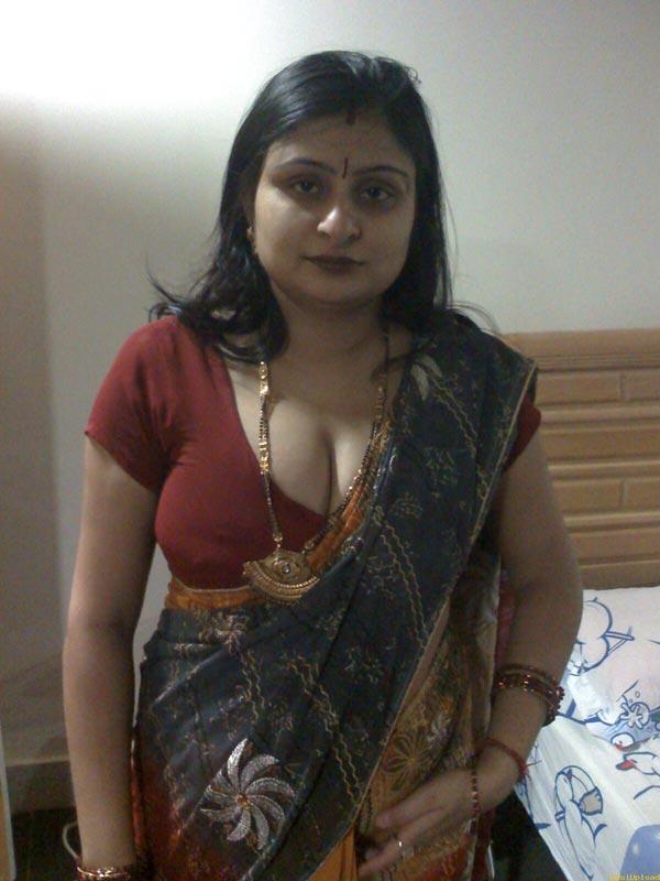 Indian saree real aunty sex