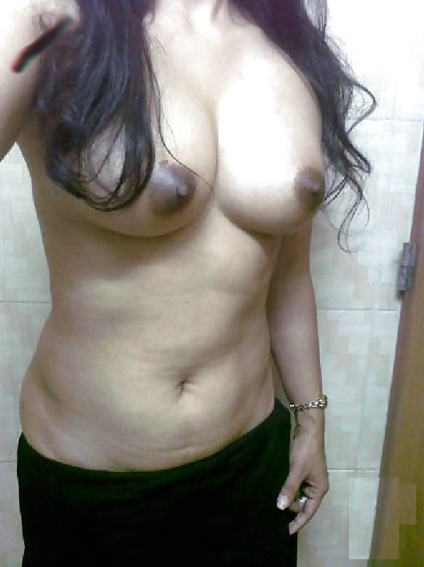 face with out nude selfie indian women