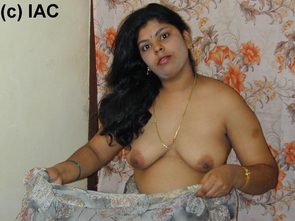 naked mallu house wife