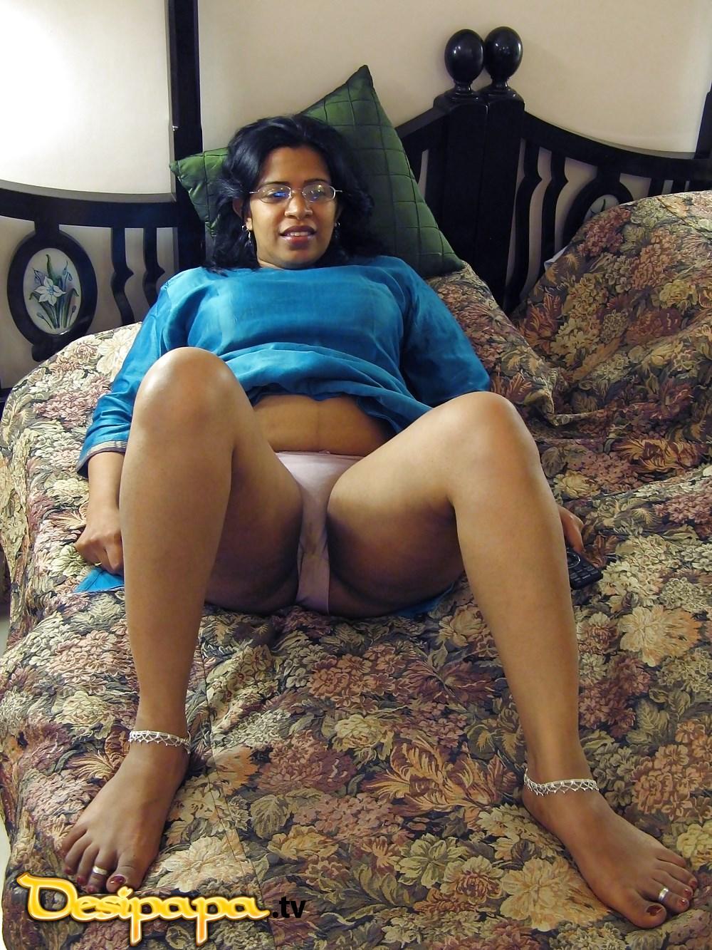 Indian girls nude rakhee pics — img 3